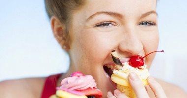 الإفراط في تناول السكر يؤدي إلى ضعف الذاكرة في مرحلة البلوغ