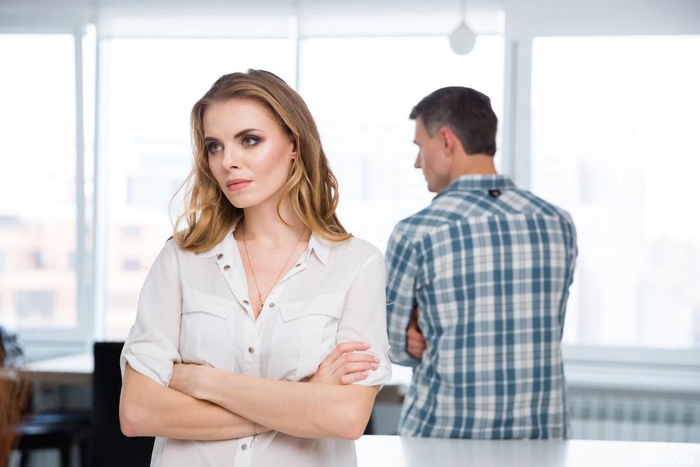 متى تمل الزوجة من زوجها ومتى يحدث النفور - تفاصيل