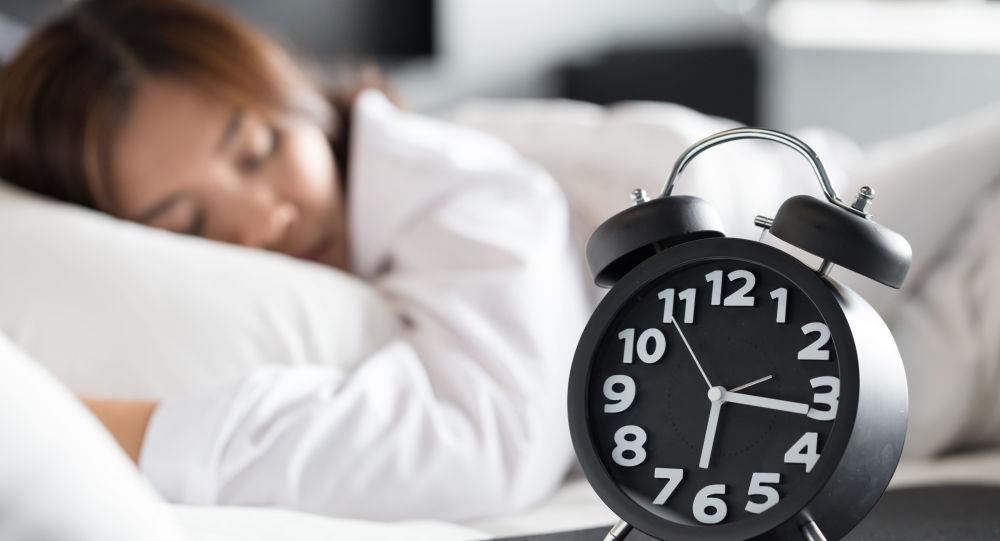 هل النوم أثناء النهار مفيد للشباب وكبار السن؟